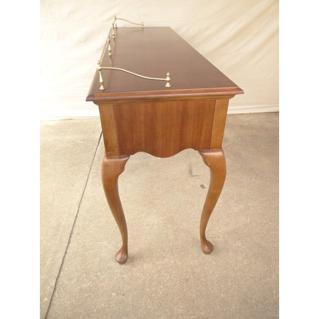 1990s American Drew Cherry Queen Anne Sofa Hall Foyer Table Console For Sale - Image 5 of 11