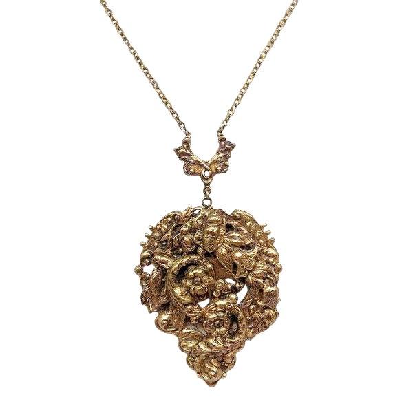 1930s Raised Floral Motif Pendant Necklace For Sale