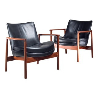 Ib Kofod-Larsen Pair Elizabeth Lounge Chairs, Denmark, 1970s For Sale
