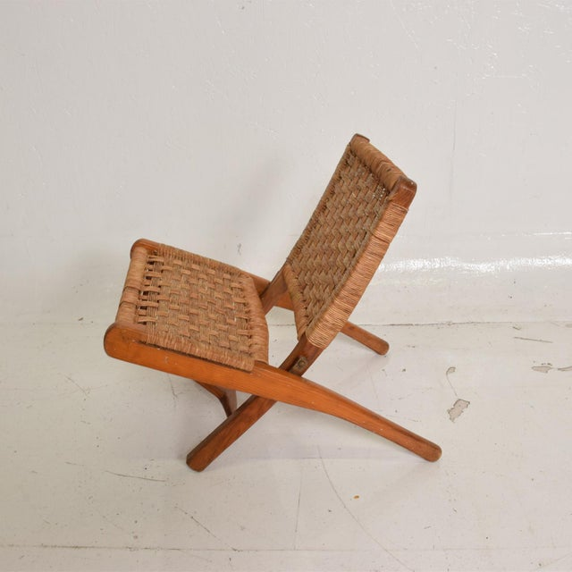 For your consideration, a Mexican Modernist Small Folding Chair After Clara Porset. Beautiful original vintage condition....