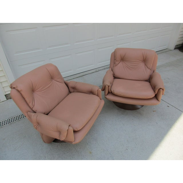Mid-Century Modern Swivel Lounge Chairs on Unique Cantilever Base -A Pair For Sale - Image 9 of 13