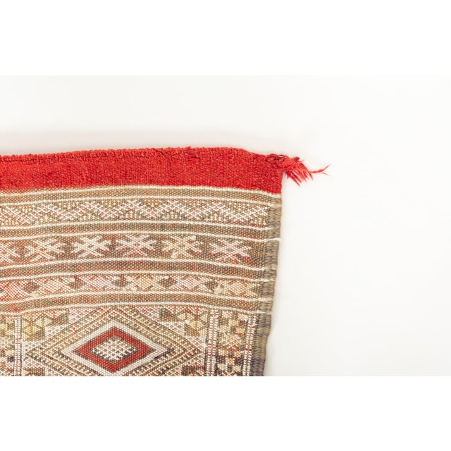 Textile Intricate Soumak Area Rug in Soft Neutral Tones; Beige, Green and Red For Sale - Image 7 of 9
