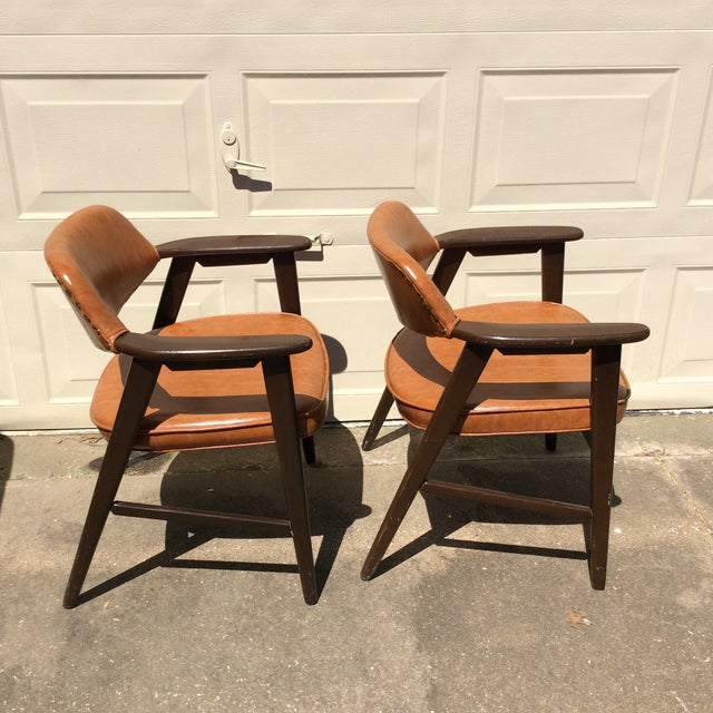 Mid-Century Modern Vintage Mid Century Paoli Lounge Chairs - A Pair For Sale - Image 3 of 13