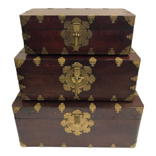 Chinese Antique Nesting Stacking Chests Trunks Storage Boxes - Set of 3 For Sale