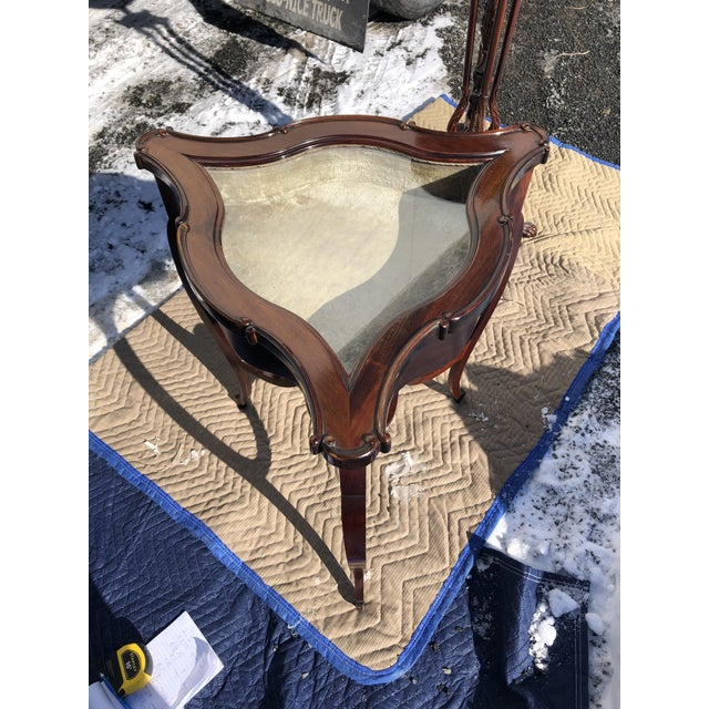 Mahogany and Glass Triangular Display Table Vitrine For Sale - Image 4 of 13