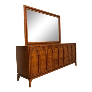 Thomasville Mid Century 9 Drawer Dresser and Mirror For Sale