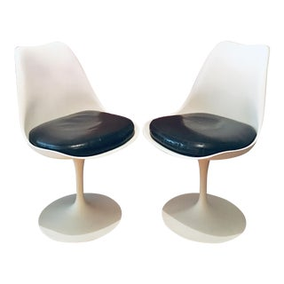 Mid Century Modern Eero Saarinen for Knoll Tulip Chairs- a Pair For Sale