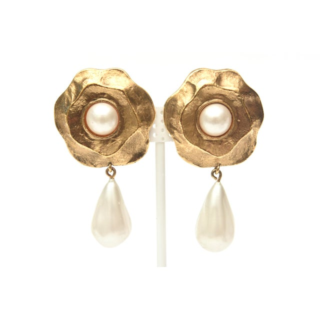 Chanel Gold Plated and Faux Pearl Camelia Flower Dangle Clip on Earrings Vintage For Sale - Image 9 of 9