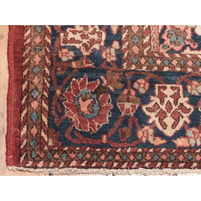 Early 20th Century Isfahan Rug For Sale - Image 5 of 7