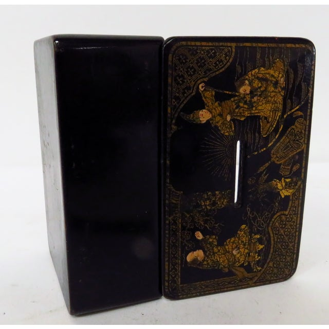 Antique 19th Century English Chinoiserie Decorated Papier-Mâché Box For Sale In Los Angeles - Image 6 of 8