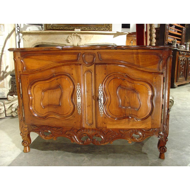 This 18th century French buffet from Nimes is one of the most exceptional buffets we have found in recent years. The...