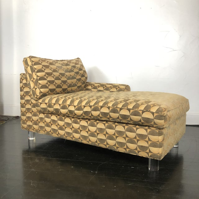 Mid Century Modern Chaise Lounge With Lucite Legs For Sale - Image 11 of 11