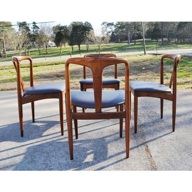 Danish Modern 1960s Vintage Johannes Andersen Brazilian Rosewood Danish Chairs- Set of 4 For Sale - Image 3 of 11