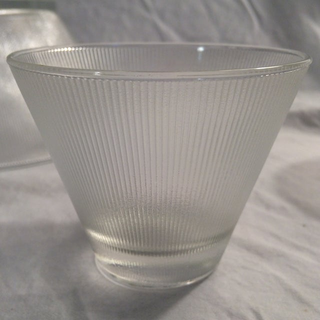 Mid-Century Modern Ribbed Stemless Martini Glasses/Ribbed Elevated Punch Bowl & 12 Ribbed Glasses - Set of 14 For Sale - Image 11 of 13