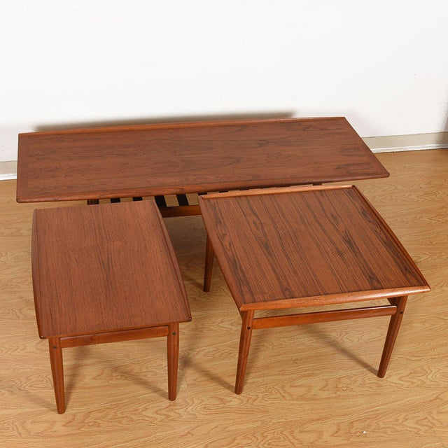 Grete Jalk Teak End / Accent Table With Raised Lip Top For Sale In Washington DC - Image 6 of 7