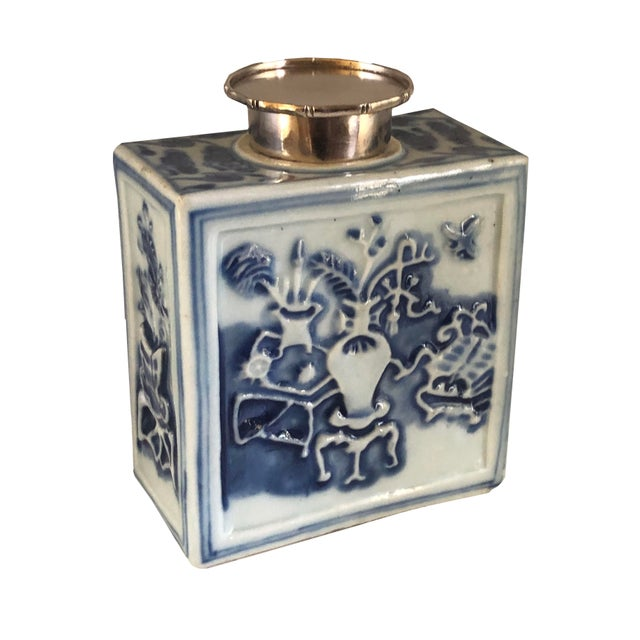 Blue 18th Century Chinese Blue and White Tea Caddy For Sale - Image 8 of 8
