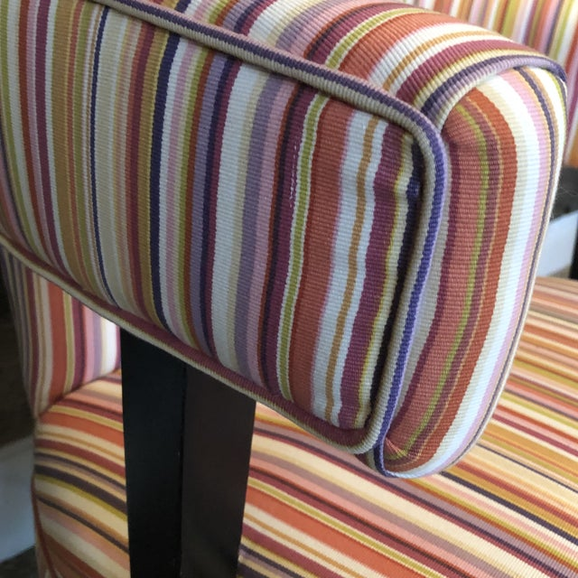 Fantastic curves and sensational stripes, plus button tufting! What more could you ask for? Excellent workmanship and...