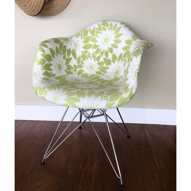 Mid-Century Modern Eames Reproduction Green and White Flower Power Fabric Side Chair For Sale - Image 10 of 10