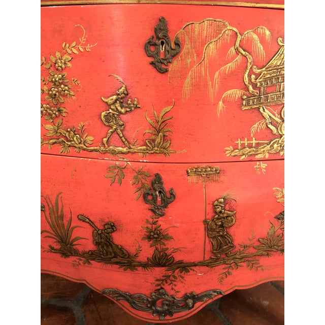 1940s Coral and Gilt Chinoiserie Bombe Style Chest of Drawers For Sale - Image 4 of 13