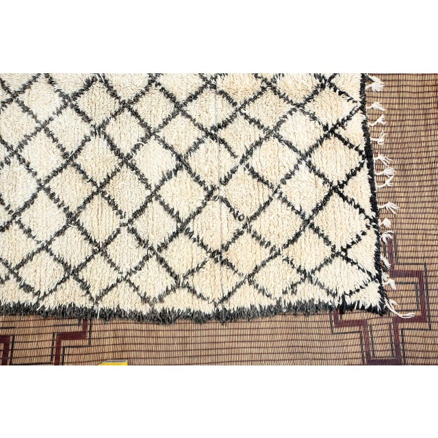 Abstract Vintage Mid Century Beni Ouarain Moroccan Rug For Sale - Image 3 of 10