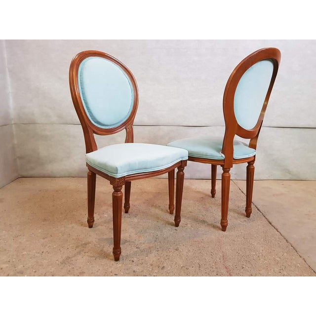 Set of 6 Vintage French Reupholstered Blue Turquoise Louis XVI Medallion Dining Chairs For Sale In New York - Image 6 of 13