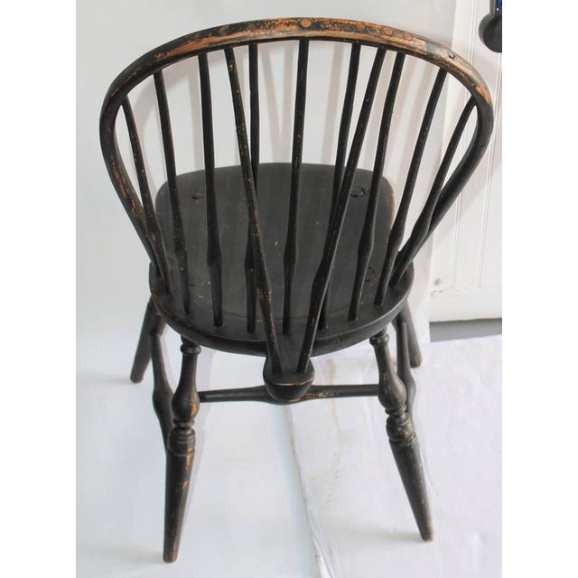 Set of Four 18th Century Black Painted Brace Back Windsor Chairs - Image 3 of 10