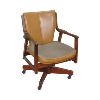Danish Modern Style Vintage Solid Walnut Swivel Office Desk Chair by Gunlocke For Sale
