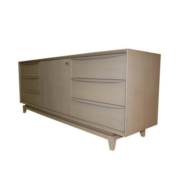 Customizable Orlando Sculpted Handle Credenza For Sale In New York - Image 6 of 10