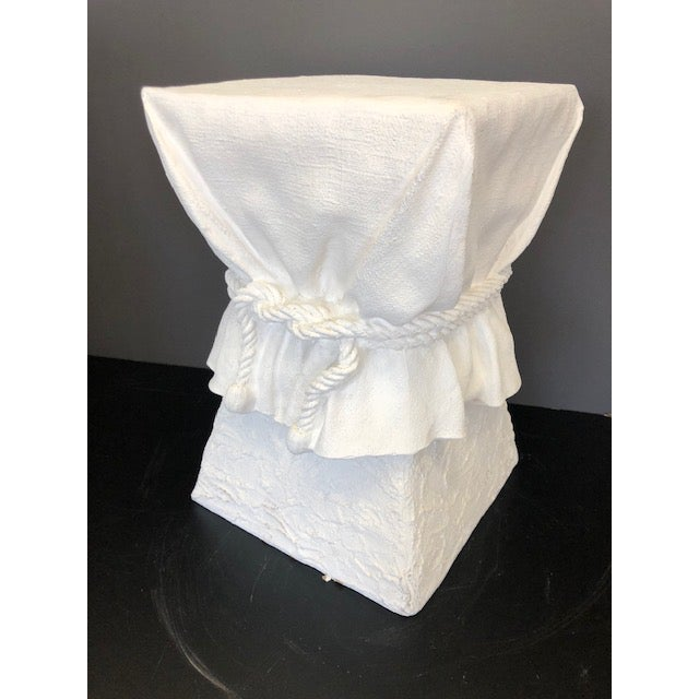White 1980s Vintage John Dickinson Draped Rope and Knots Side Table For Sale - Image 8 of 11