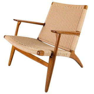 Hans Wegner Ch-25 Lounge Chair For Sale