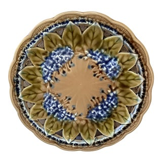 1890 Villeroy & Boch Majolica Reticulated Lilac Plate For Sale