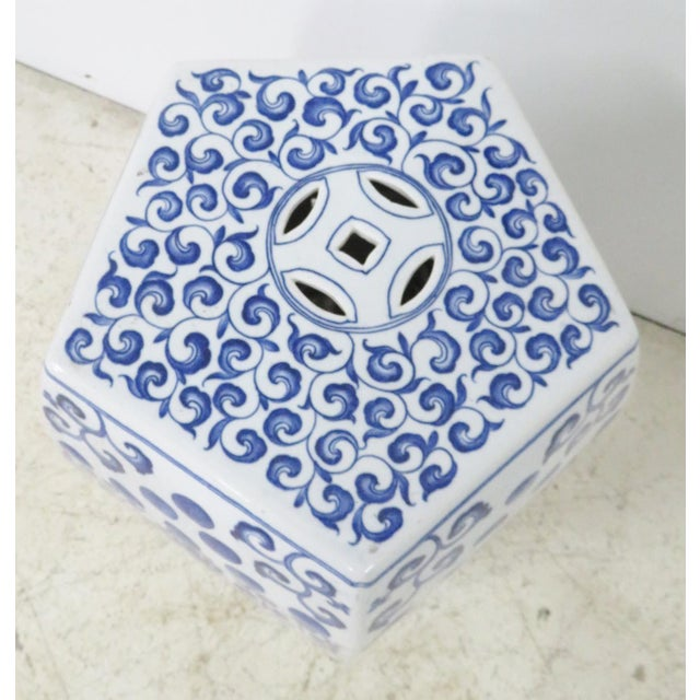 Asian Chinese Blue & White Porcelain Garden Seat For Sale - Image 3 of 5