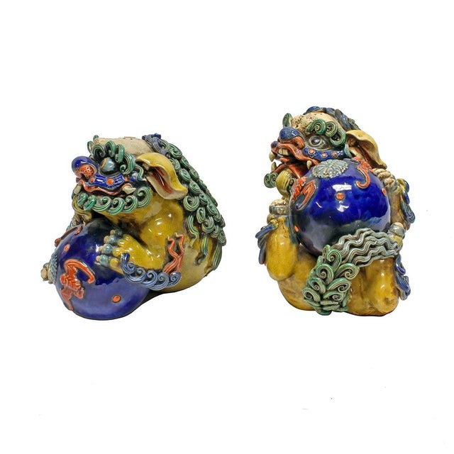 Vintage Ceramic Foo Dogs - A Pair - Image 2 of 5