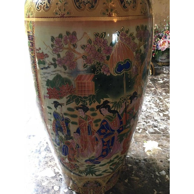 Tall Chinese Vases with Decorative Scenes, 20th Century - A Pair For Sale In Savannah - Image 6 of 13