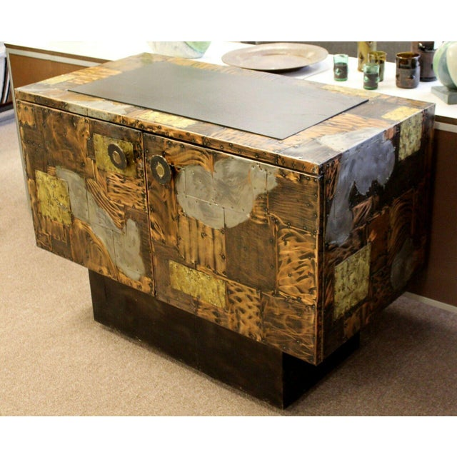 1960s Mid Century Modern Paul Evans Directional Slate Top Copper Patchwork Cabinet 1960s For Sale - Image 5 of 12