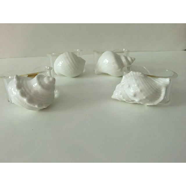 Americana 1980's Hollywood Chic White Bone China & Lucite Sea Shell Napkin Rings - Set of 4 For Sale - Image 3 of 12