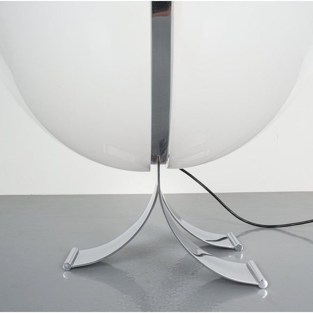 Rare Tetrarch Design Studio Table Light Chrome Lucite for Valenti, Circa 1970 For Sale - Image 9 of 12