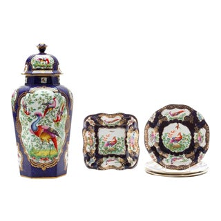 "7-Piece Garniture of English ""Chelsea Bird' Pattern Porcelain For Sale"