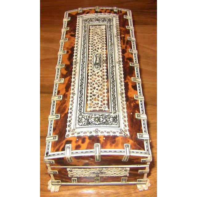 19c Anglo Indian Vizagapatam Bone and Shell Glove Box For Sale - Image 4 of 7