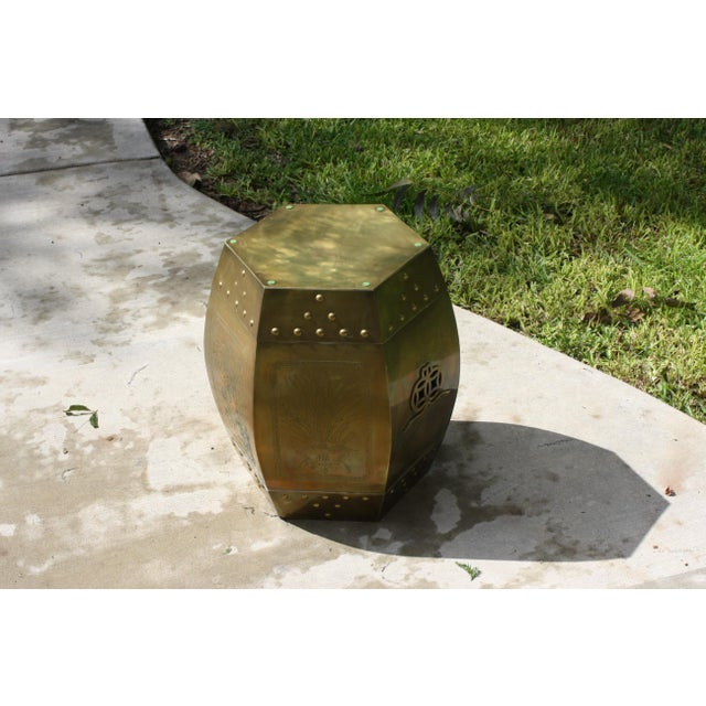 Vintage 70s Chinese Chinoiserie Style Brass Hexagonal Garden Seat / Stool / Side Table W/Glass Top For Sale - Image 12 of 13