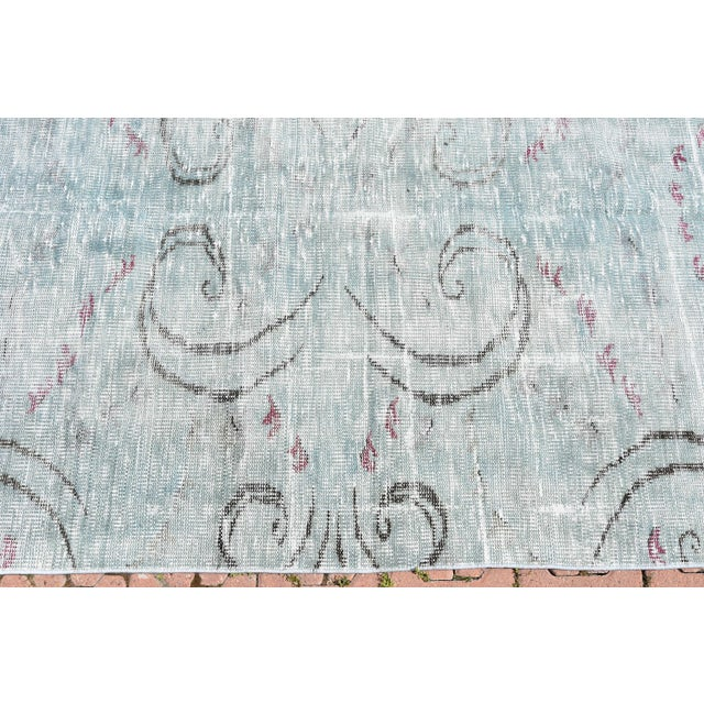 2000s Antique Muted Handmade Boho Chic Wool Area Rug - 4′3″ × 8′2″ For Sale - Image 5 of 6