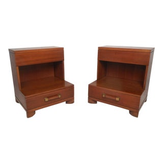 Pair of Vintage Modern John Widdicomb Nightstands For Sale