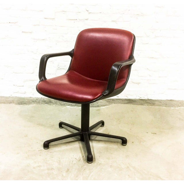 Animal Skin Set of 8 Mid-Century Burgundy Red Leather Executive Chairs by Comforto For Sale - Image 7 of 11