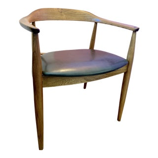 1960s Vintage Illum Wikkelsø for Niels Eilersen Danish Modern Elm & Leather Armchair For Sale