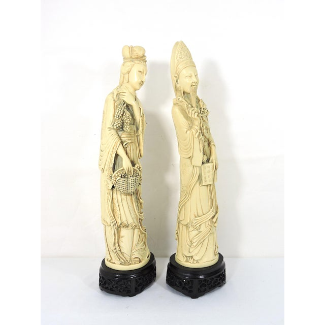 Chinoiserie Vintage Ivory Coloured Chinese Nobles, Statues or Figures on Stands - a Pair For Sale - Image 3 of 10