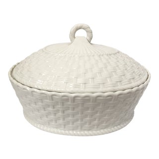 Belleek White Woven Covered Tureen For Sale