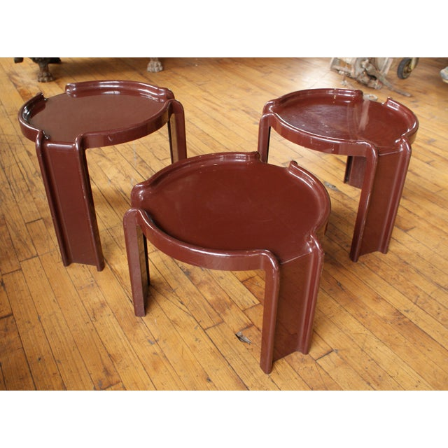 Mid-Century Modern Giotto Stoppino for Kartell Chocolate Brown Nesting Tables - Set of 3 For Sale - Image 3 of 8