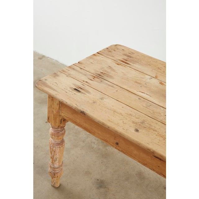 19th Century American Country Pine Farmhouse Dining Table For Sale - Image 4 of 13