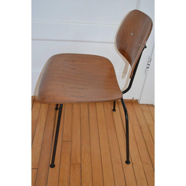 1950s Dozens of Herman Miller Eames 1950s Walnut Dining Room Chair With New Hm Frames For Sale - Image 5 of 11