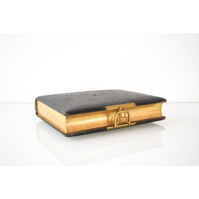 • Antique turn-of-the-century Victorian photo album made in England. • Leather bound in black. • Beautiful working brass...